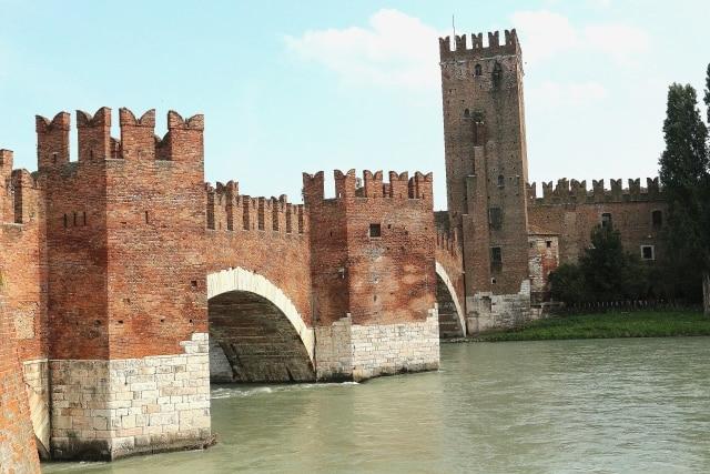 villes médiévales, tours privés du Moyen Âge avec chauffeur VTC