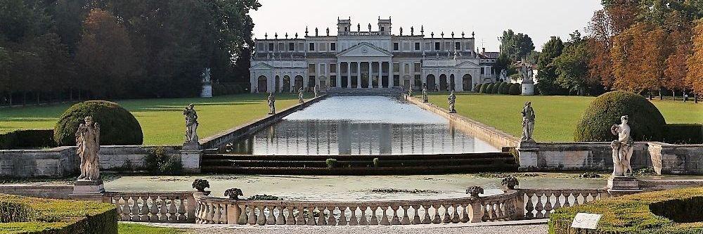 Parc de Villa Pisani à Stra, le long du canal de la Brenta entre Venice et Padoue. Randonnée privée avec chauffeur VTC