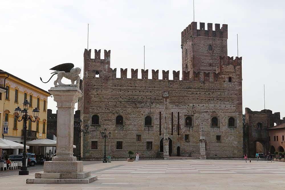 Marostica place d'échecs, ville médiévale fortifiée dans la région de la Vénétie, Italie
