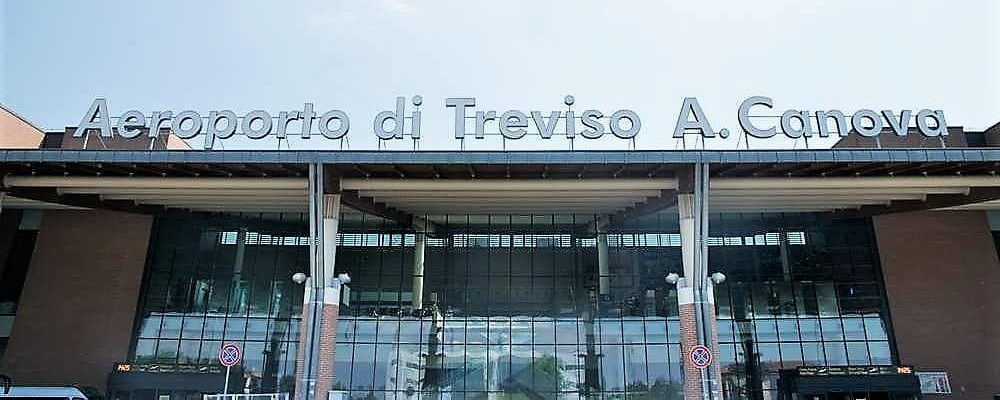 Treviso airport to Venice island. Private transfer with Pantarei chauffeur service